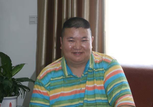 裘志君:诚信缔造钢结构王国--访赣州君鸿钢结构有限责任公司总经理裘志君